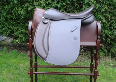 Ray WH Flock Panel Wide Seat Perfect For Cob And Fell Types